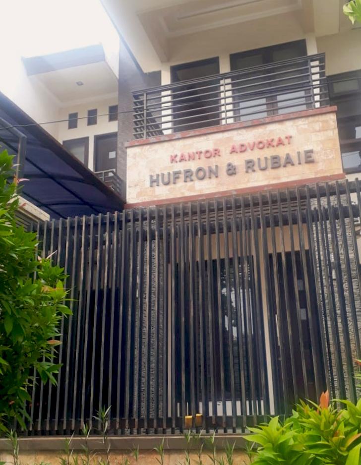 Hufron dan Rubaie Lawyer Surabaya